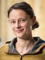 Josefine Lenz